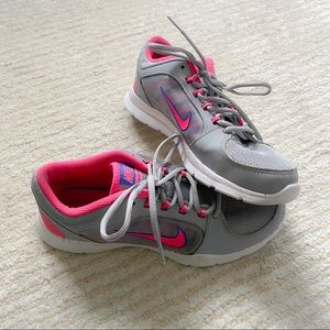 Nike women's pink and grey sneakers